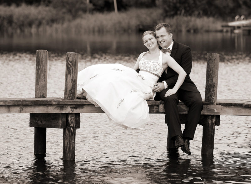 Brautpaar auf dem Steg